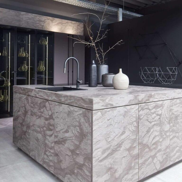 Cuisine & Pose Marseille Aix-en-Provence Cuisiniste Cuisine équipée sur-mesure ilot central marbre
